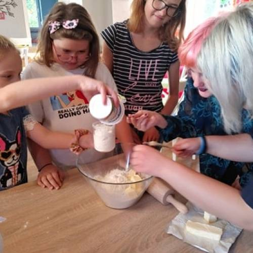 Jaskółka – ważne rozmowy i kulinarne zmagania
