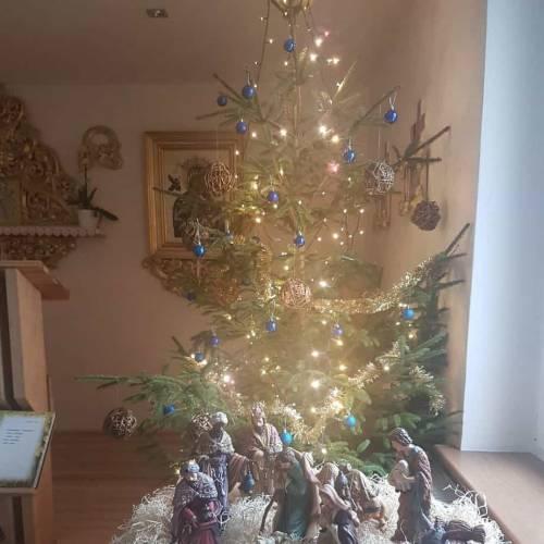 Radosne świąteczne działanie