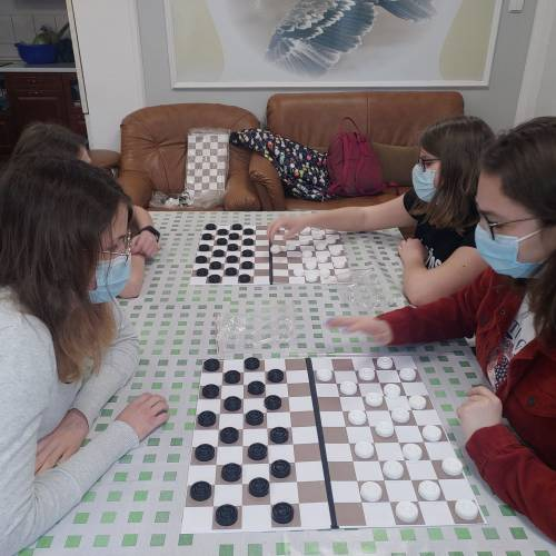 Jaskółki – projekt artystyczny i turniej warcabowy